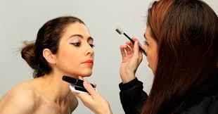 bee a professional makeup artist jpeg