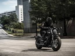 2018 triumph bonneville bobber black first ride review gearopen