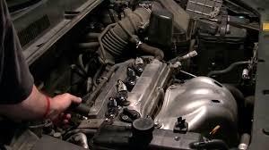 Toyota Rav4 2008 PCV valve check with fluid top up. Time lapse 2AZ ...