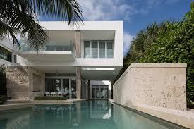 Glass Doors House \u2013 Modern House