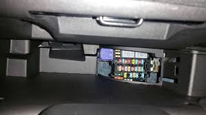 accessing the glove compartment fuse box smart car forums Fuse Box In A Smart Car a little harder some elbow grease you might want to try a pair of padded gloves just so it doesn't pop off and cut your fingers because it just might fuse box in a smart car