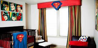 Kinderzimmer Dekoration mit Superhelden Motiven aus den Comicheften