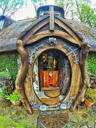 hobbit-holes-eco-friendly-houses-green-magic-homes-