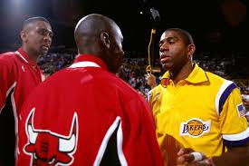 Die-Hard Chicago Bulls Fans - Bulls vs. Lakers - 1991 NBA Finals Game 5  Highlights