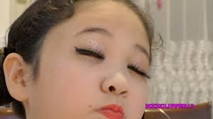 you ll need to break out the glitter for this kid makeup challenge rtm rightthisminute