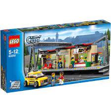 Đồ chơi LEGO 60050 - Trạm Xe Lửa gồm có 423 chi tiết