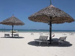jangwani seabreeze resort beautiful day in the sun