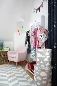 Doch auch andere treffende farbkombinationen sind möglich! Skandinavisches Kinderzimmer Einrichten Oder Warum Madchen Kinderzimmer Nicht Rosa Sein Mussen Lavendelblog