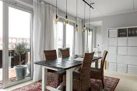 Maak Een Statement Met Een Industriële Lamp Boven De Eettafel Roomed