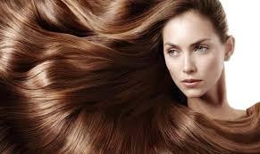تفتيح لون شعرك بمكونات طبيعية بديلة للصبغات الليمون والقرفة وخل التفاح