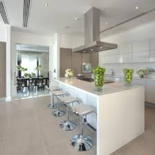 High Gloss Kitchen Floor Tiles High Gloss White Kitchen With A Pop Of Bright Colour Love This