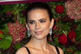 Hayley Atwell showt Mission Impossible ...