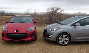 2013 Mazda3 vs Hyundai Elantra GT 0-60 MPH Performance Mashup ...