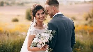 Svatební Trendy 2019 šaty Oznámení Kytice účesy Prsteny Co Je In
