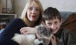 How a kitten helped a little boy find his voice | Express.co.uk