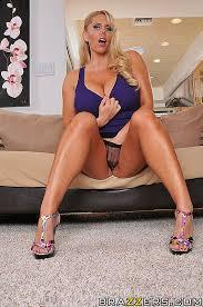 Hot mom likes big dick