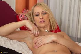 Hot blonde housewife stripped The Mature Lady Porn Blog