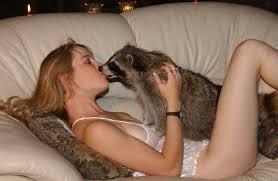 Doggie lickng milf movies