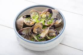 nutritional value of steamed clams