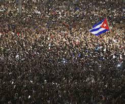 Resultado de imagen para fotos de multitud cubano por fidel