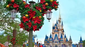 Christmas 2017 Decorations Appear at Magic Kingdom, Walt Disney ...