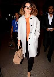 you want to be the style diva and sport a nyc look at the streets of your very own city take tips from kangna then skinny pants long coat pointed heels
