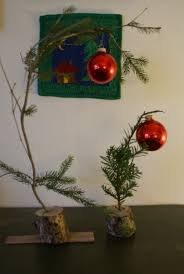 How to make a Charlie Brown Christmas tree  Recycled Crafts |  CraftGossip.