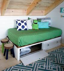the easiest daybed or captains bed ever so simple to make