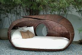 Small Round Rattan Table Furniture Comfortable Round Wicker Outdoor Daybed For Patio