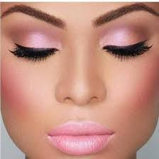 8cefb8984949e9694783c52d4d9719be via when most people think of pink eye makeup