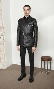 zoom saharienne jacket in black leather view with model 1