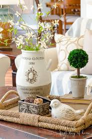Table d'hôte is cheaper than table à la carte. How To Create An Elegant Look With Coffee Table Decor
