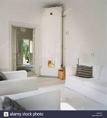 Ein Kachelofen Im Wohnzimmer Stockfoto Bild 13120202 Alamy