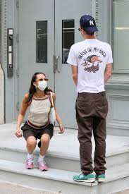 bella hadid and new boyfriend marc kalman grab lunch at walkers in tribeca,  new york city-250721_8