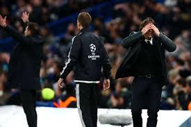 Hakem bu pozisyonda david luiz için sarı kartını çıkardı. Chelsea V Atletico Madrid Match Report 05 12 2017 Uefa Champions League Goal Com