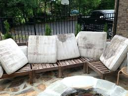 how to clean patio furniture cushions enchanting cleaning patio furniture best ideas about cleaning outdoor cushions