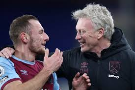 Managerial profile and latest news on his job security. David Moyes Hails Amazing West Ham Squad After Continuing Unbeaten Festive Run With Late Triumph At Everton Evening Standard