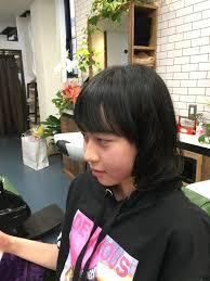 中学生女子 ロングから外ハネスタイル もともとのくせ毛をフル活用