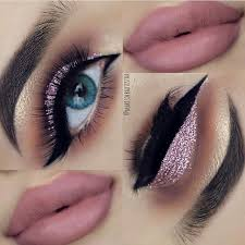 sparkling fashionable makeup for blue eyes