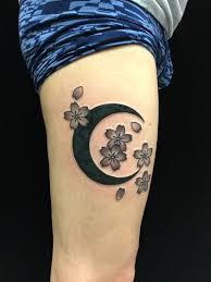 月と桜のタトゥー Catclaw Tattoo Z
