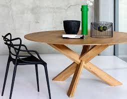 oak round dining table 136cm