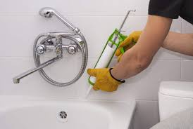How to caulk shower Bathtub An Unsung Hero Of Bath Construction The Caulk In Your Tub Or Shower Provides An Important Barrier Against Water Damage In Your Home Wikihow How To Caulk Shower Or Tub House Method