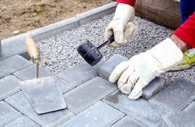 Wie der aufbau eines fußbodens im allgemeinen aussieht und welche abweichungen und alternativen es in einzelnen fällen geben kann, lesen beim aufbau des fußbodens gibt es natürlich unterschiede zwischen dem erdgeschoss und den oberen geschossen, wo der fußboden auf der. Schotterschicht Verdichten Beachtenswertes Myhammer