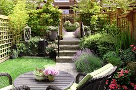 summer gardens for small spaces
