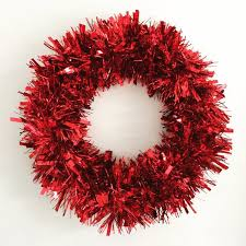 Logiclike team has prepared for you christmas trivia, compete with friends knows more facts about christmas. Hgtv Holiday House Feature Red Tinsel Wreath Tinsel Christmas Etsy