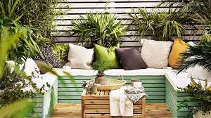 garden fence ideas 21 ways to update