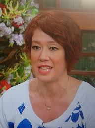 Lilicoさんの髪型ショートでパーマになってた さふさふーりぶら