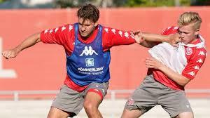 Адам салаи 21 апреля 22:14. Fsv Mainz 05 Adam Szalai Will Teilnahme Am Profi Training Durchsetzen