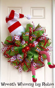Christmas Horse Wreath....these are the BEST DIY Holiday Wreath Ideas!