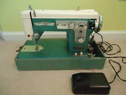 Vintage Universal Sewing Machine Price